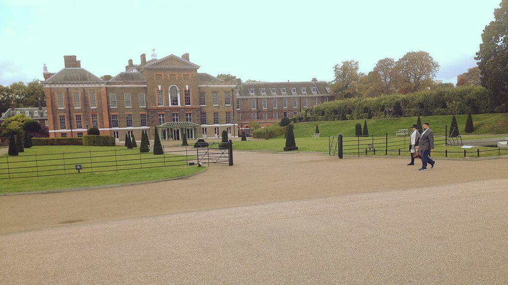 Kensington Palace na kraji Hyde Parku