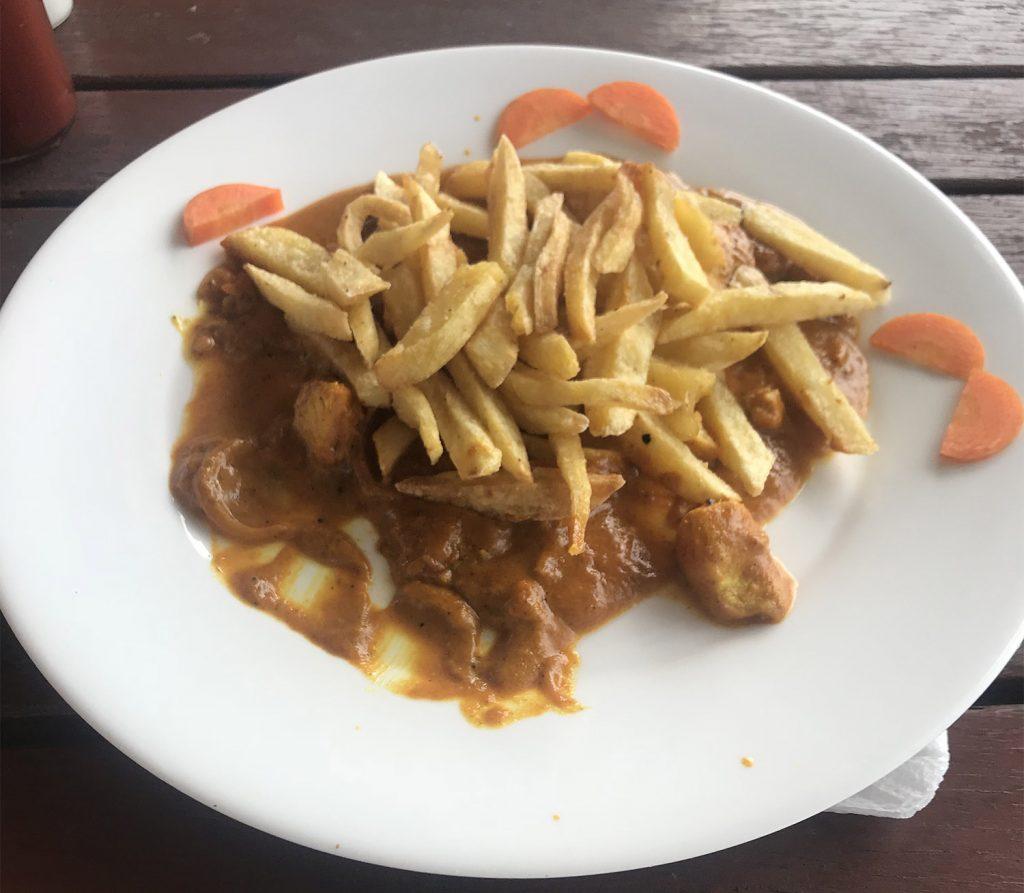 jedlo v restauracii na plazi